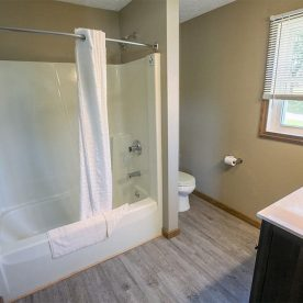 Bathroom in Room 8 with tub/shower combo